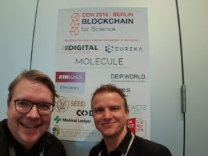Lambert (links) und Konrad (rechts) auf der BFSCon 2018 in Berlin